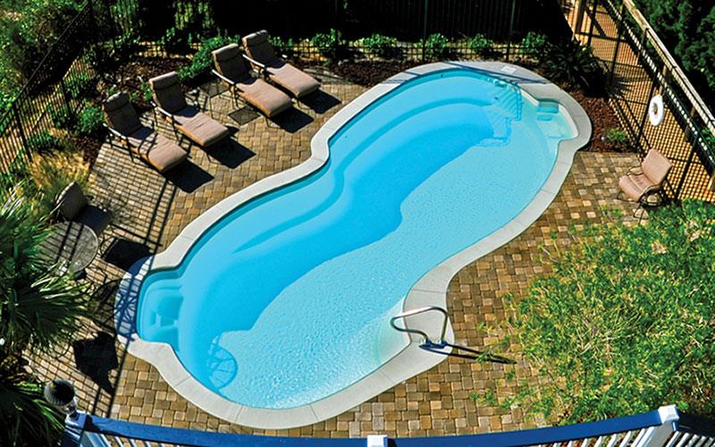 Alaglas Pools Grand Baron fiberglass swimming pool