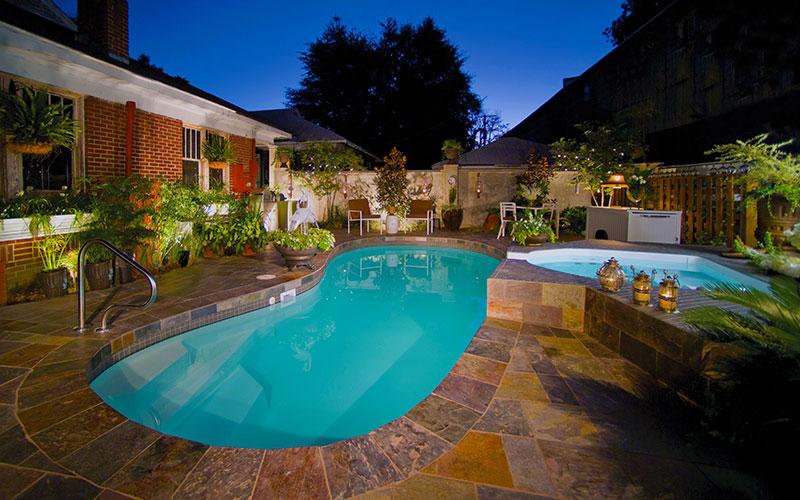 Alaglas Pools Avanti fiberglass swimming pool in topaz
