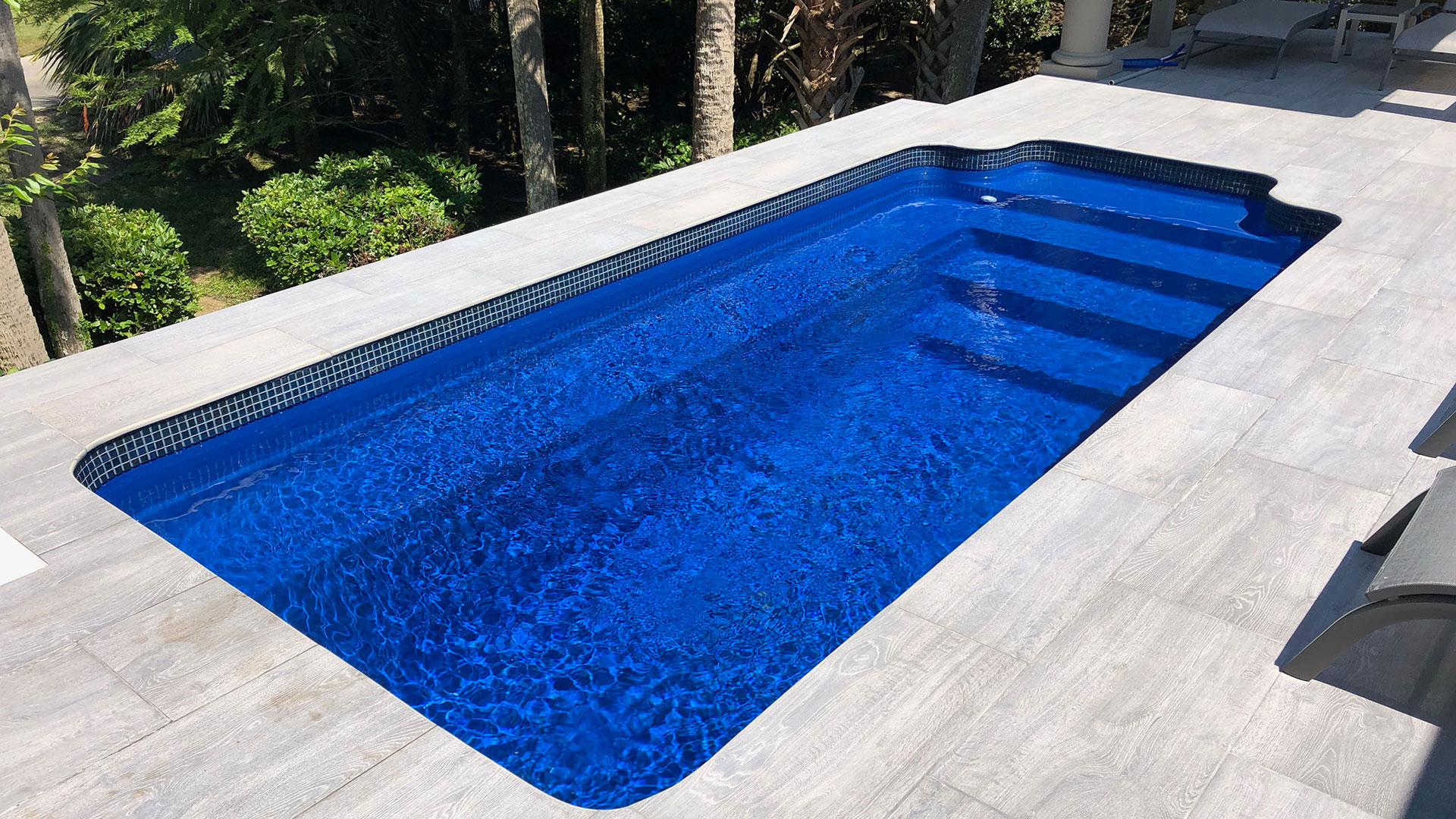 Alaglas Pools Capri fiberglass swimming pool in sapphire