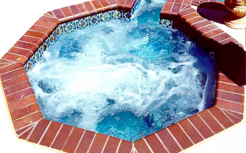 Alaglas Pool Cayman fiberglass spa in blue