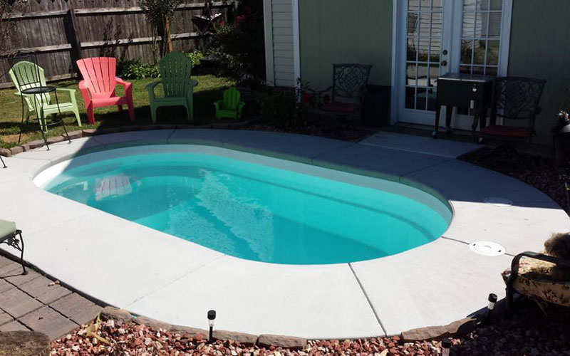 Alaglas Pools Citation II fiberglass swimming pool in white