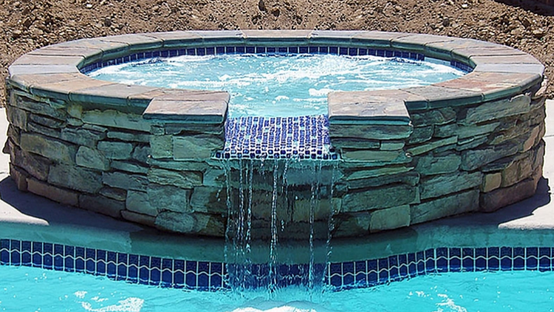 Alaglas Pools Fiberglass Aruba Spa in white with spillover