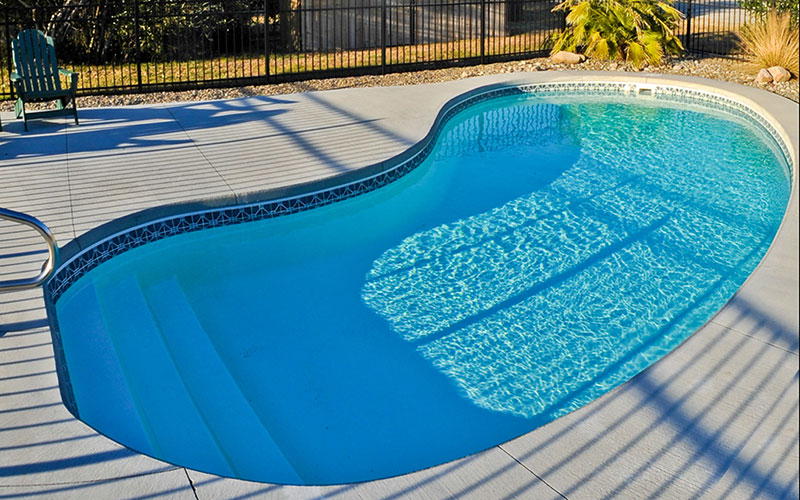 Alaglas Pools Fiberglass Martinique pool in white
